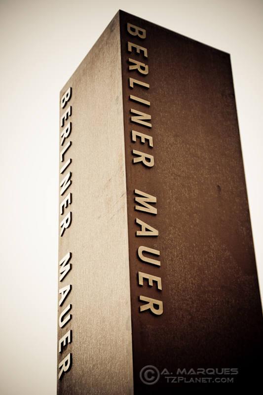 Berliner Mauer, Berlin, Germany - Pillar signaling the Berlin Wall